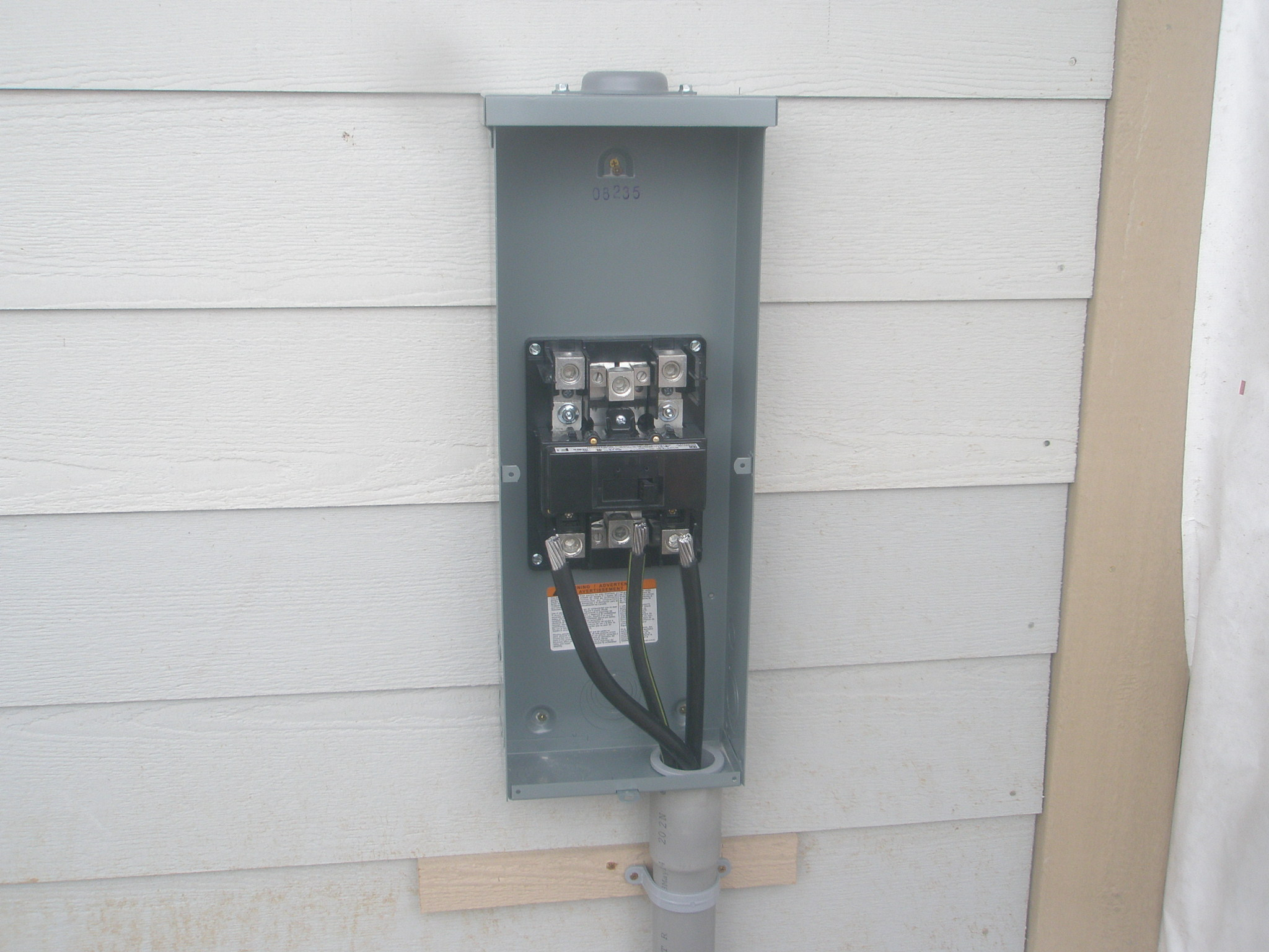 Installing 200 Amp Disconnect Switch Below Meter
